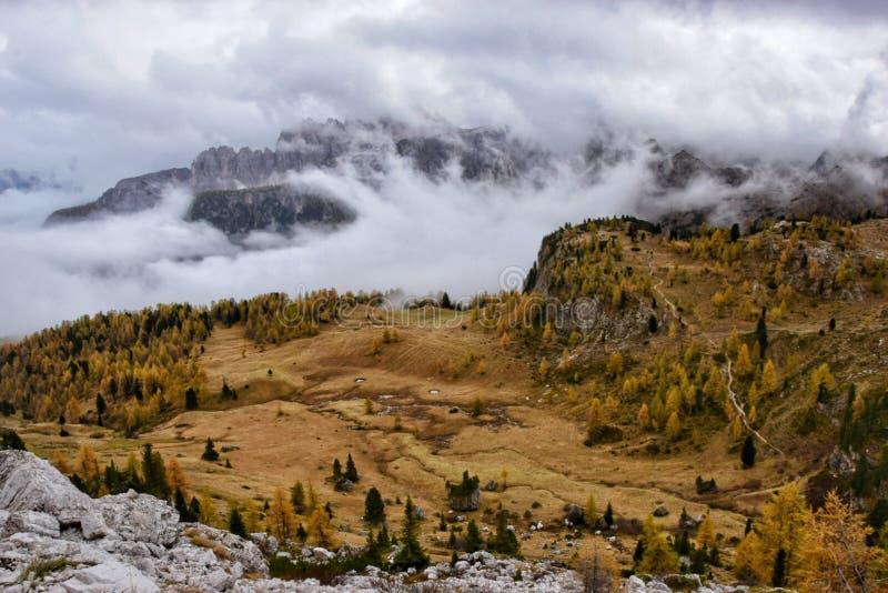 Dolomites höst royaltyfri foto