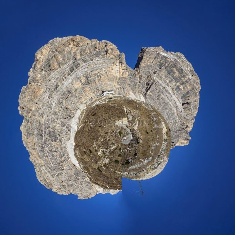 Dolomites pouco planeta imagens de stock