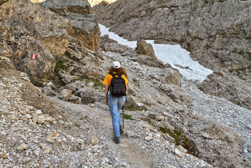 Download Dolomiti - Caminante En Val Setus Imagen de archivo - Imagen de south, footpath: 42433325