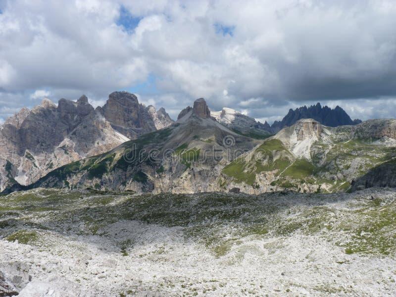Dolomiti de las montañas imagen de archivo libre de regalías