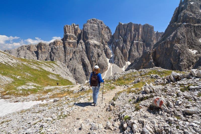Dolomiti die - in Sella wandelen zet op royalty-vrije stock fotografie