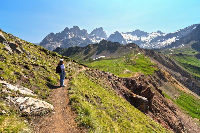 Dolomiti - trekking in Val-ldi royalty-vrije stock afbeeldingen