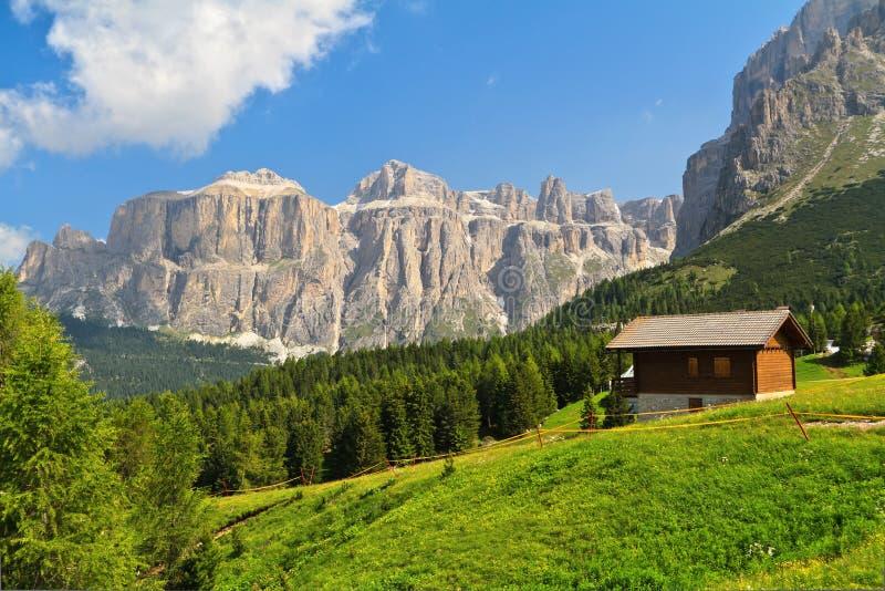 Dolomiti - wysoka Fassa dolina fotografia stock