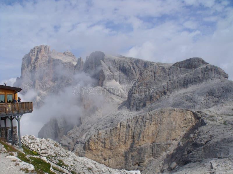 Dolomity berg royaltyfri bild