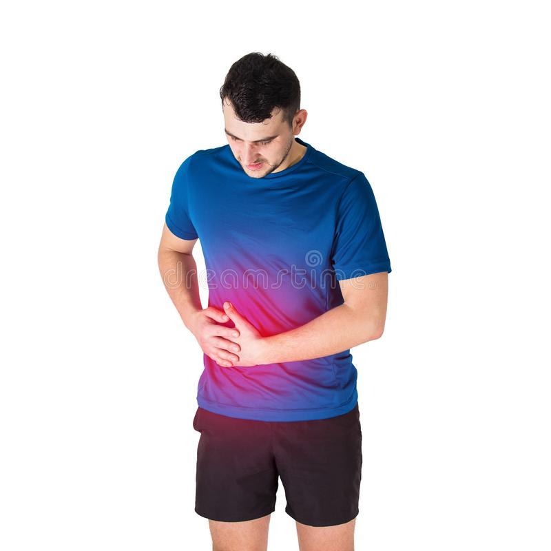 Dolor de estómago caucásico de la sensación del atleta del hombre y puntada lateral Traumas del deporte, lesión física y concepto imagen de archivo