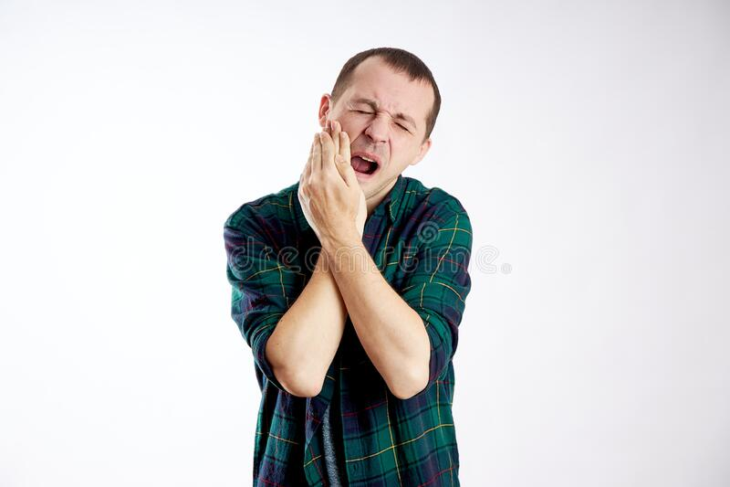 Dolor severo de muelas, mala salud, enfermedad, caries dentales foto de archivo libre de regalías