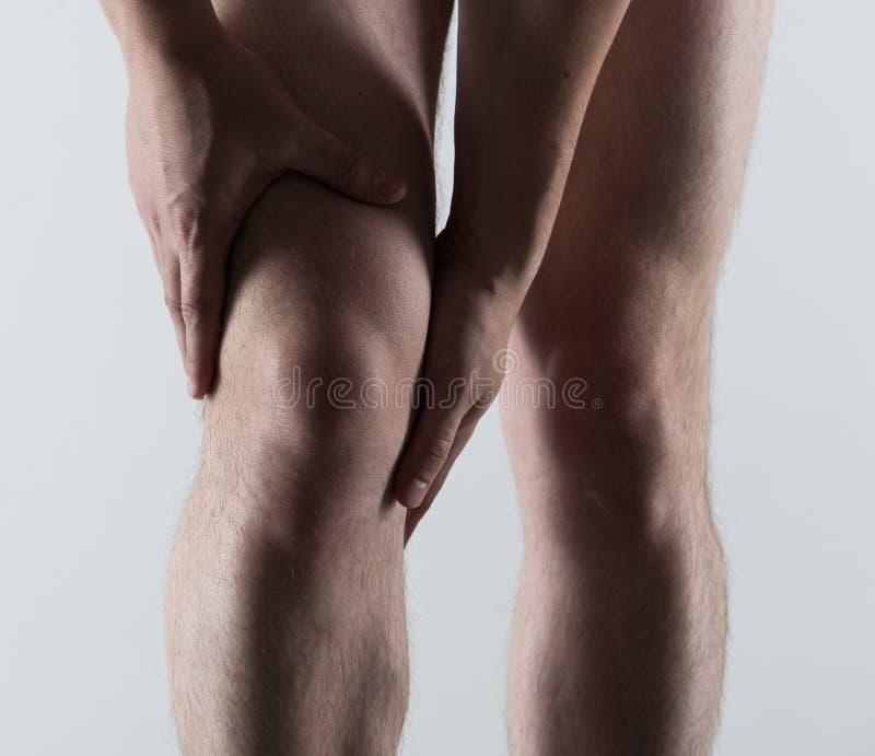 Dolore maschio del piede fotografie stock libere da diritti