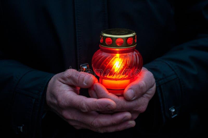 Doloroso-candela nella memoria di inedia Holodomor di genocidio di carestia immagine stock