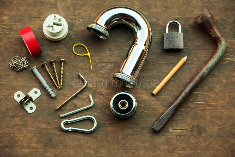 Domów narzędzi stołu żelaza drymby pytania drewniany symbol fotografia royalty free