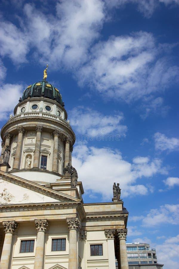 Dom de Deutscher o catedral alemana en el Gendarmenmarkt Berlín, Alemania fotos de archivo