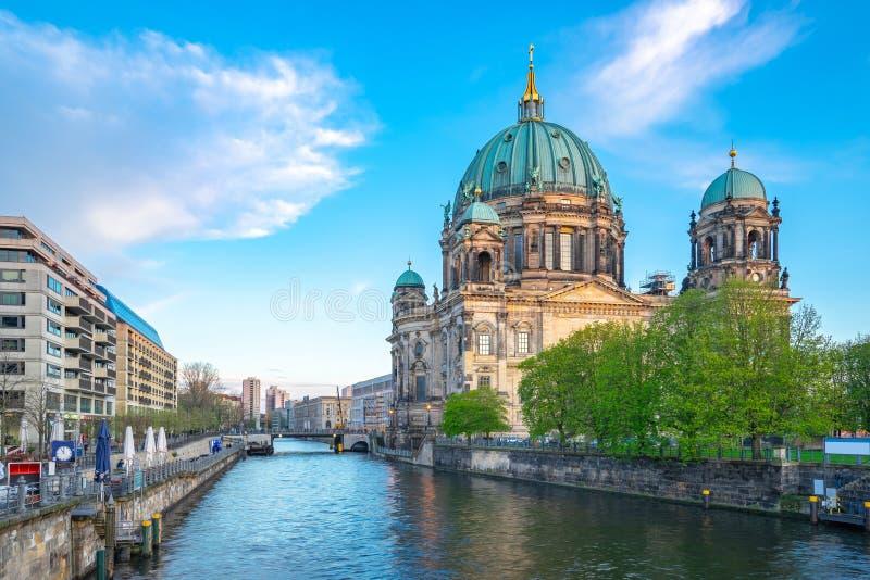 Dom del berlinés en la ciudad de Berlín, Alemania en la isla de museo en la ciudad de Mitte imágenes de archivo libres de regalías