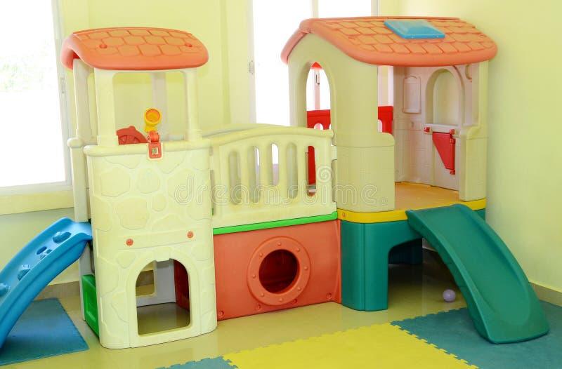 Dom dla dzieciaków bawić się fotografia royalty free