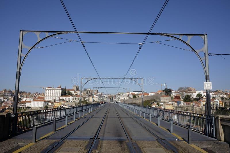 Dom luis del puente I en Oporto imagen de archivo libre de regalías
