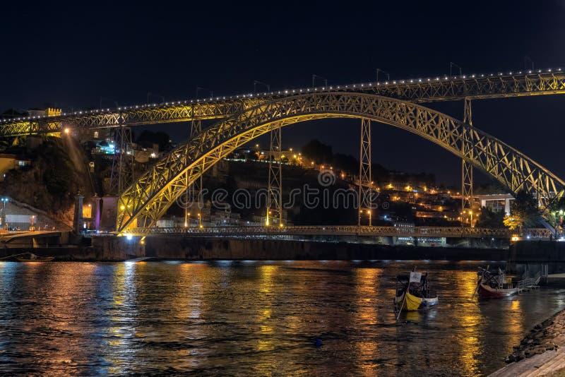 Dom Luis iluminado 1 puente, Oporto, Portugal fotografía de archivo libre de regalías