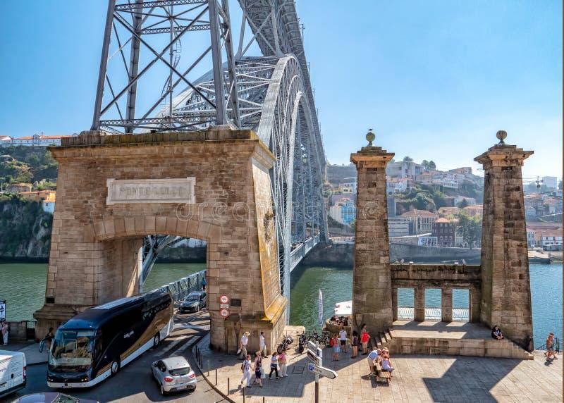Dom Luis 1 puente - Ponte de Dom Luis I, Oporto, Portugal foto de archivo libre de regalías