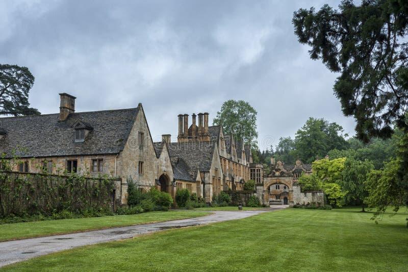 Dom Manor House zbudowany w architekturze okresu Jacobeana 1630 w gigantycznym kamieniu, w wiosce Cotswold w Stanway Gloucestersh obraz royalty free