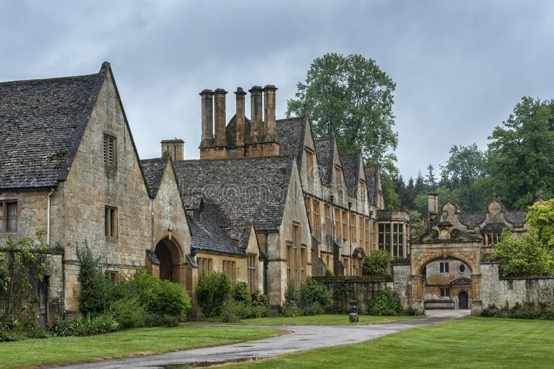 Dom Manor House zbudowany w architekturze okresu Jacobeana 1630 w gigantycznym kamieniu, w wiosce Cotswold w Stanway Gloucestersh zdjęcia royalty free