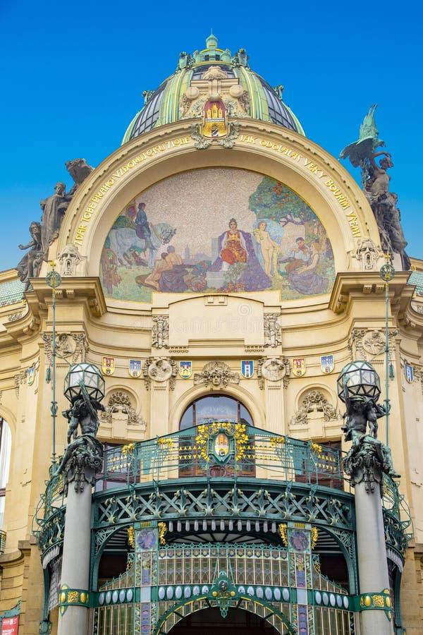 Dom Miejski - zabytkowy budynek Art Nouveau na Placu Republiki w Pradze, Czechy obraz stock