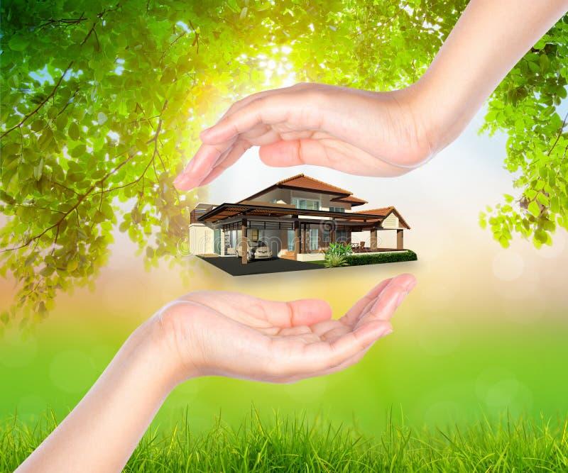 Dom na kobiecie oddawał Zielonego liść zdjęcie royalty free