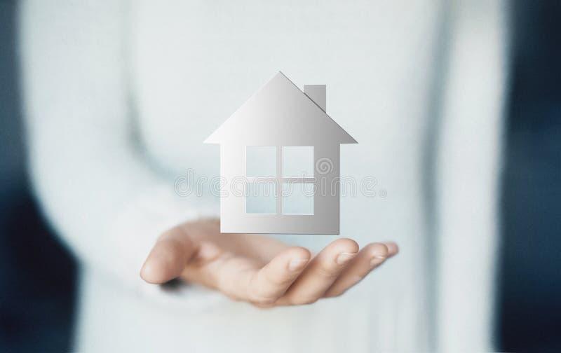 Dom na ręce, kupuje nowego dom, czynsz lub pożyczkę, zdjęcia stock