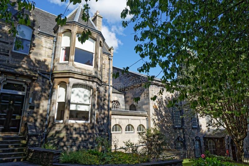 Dom na ulicy przy ulicy Royal Mile High - Edynburg, Szkocja obraz stock