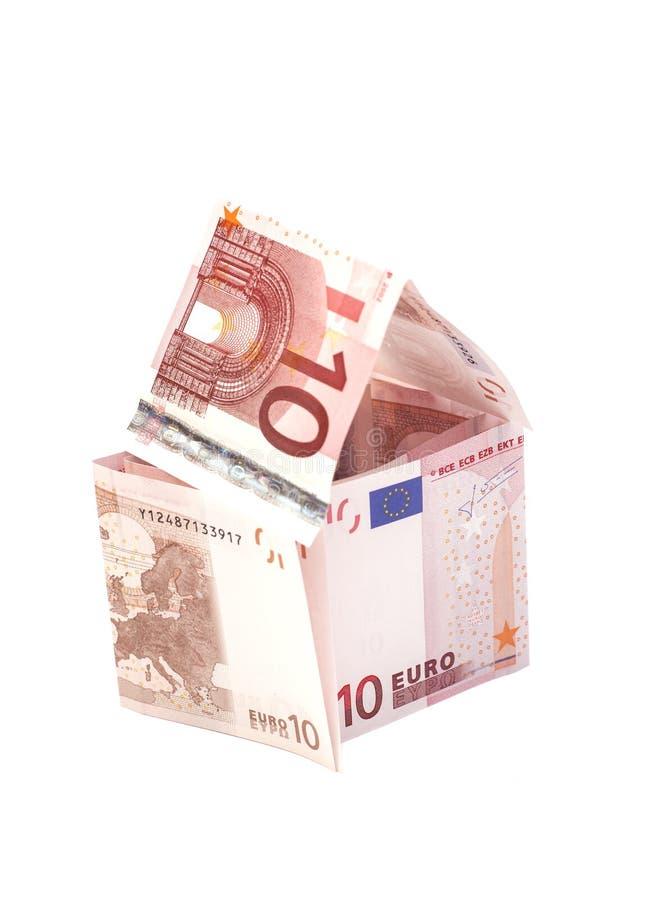 Dom robić od dziesięć euro banknotów obrazy stock