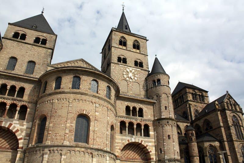 Dom San Pedro y Liebefrauenkirche imagenes de archivo