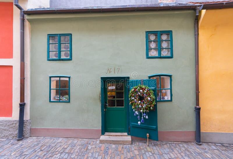 Dom Złota pas ruchu ulica w Praga zdjęcie royalty free