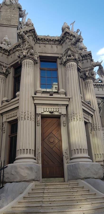 Dom z chimeras obrazy stock