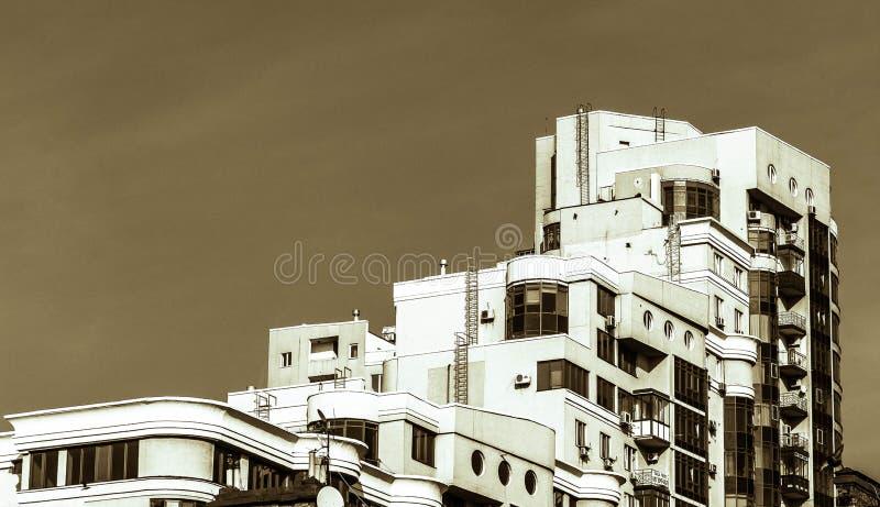 Dom z tarasami zdjęcia royalty free