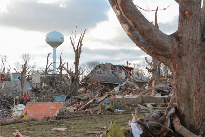 Dom Z tornado szkodą zdjęcia royalty free