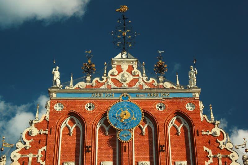 Dom zaskórniki w Ryskim Starym miasteczku, Latvia Oryginalnie budujący w czternastym wieku dla bractwa zaskórniki obraz royalty free