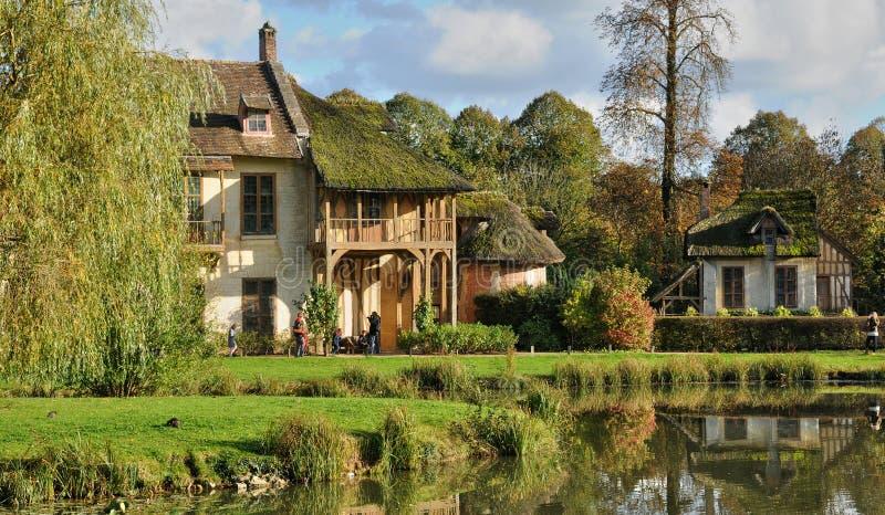 Domaine de Marie Antoinette en parc de palais de Versailles image stock