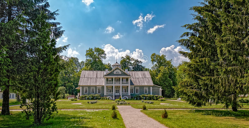 Domaine de musée de Petrovskoye, montagnes de Pushkin, Russie images stock