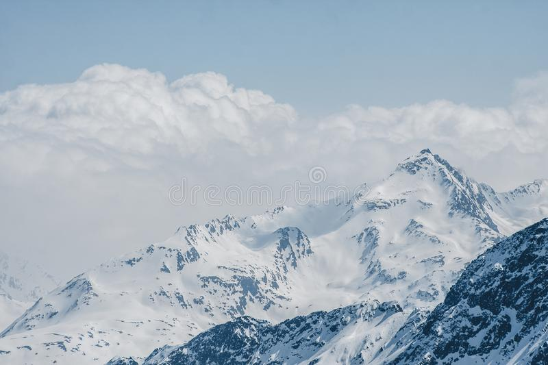 dombay αιχμές βουνών βουνών Καύκασου στοκ εικόνες με δικαίωμα ελεύθερης χρήσης