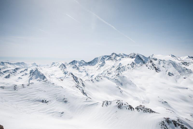dombay αιχμές βουνών βουνών Καύκασου στοκ φωτογραφίες με δικαίωμα ελεύθερης χρήσης