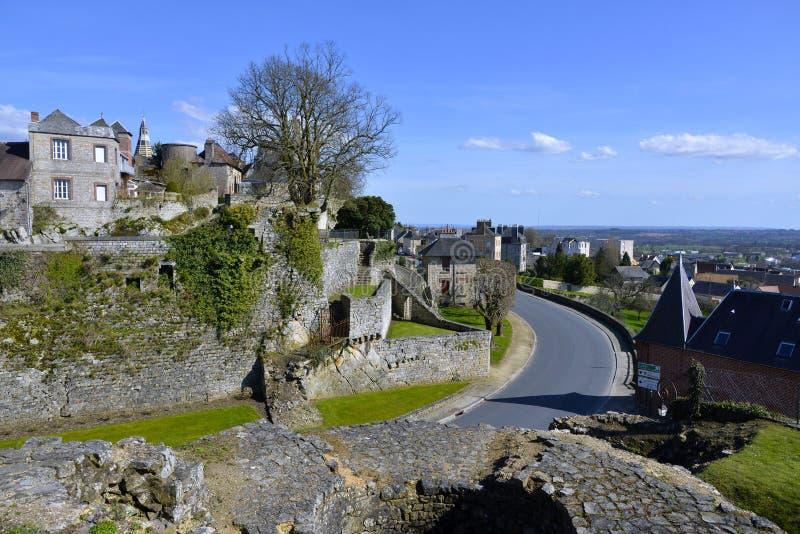 Domfront村庄在法国 免版税库存照片
