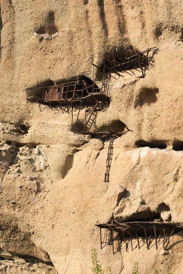 Domicílio velho de um eremita na rocha Meteora foto de stock royalty free