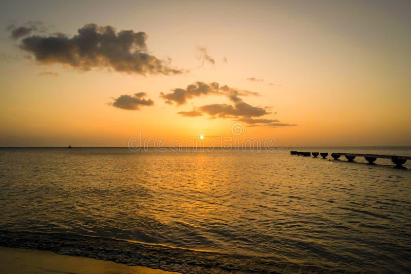 Dominica Island Sunset stock foto's