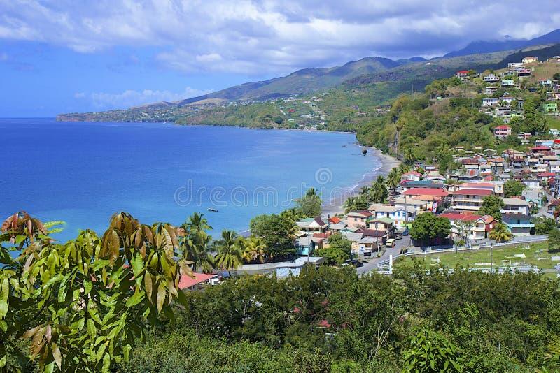 Dominica - panorama av den Mero byn royaltyfri fotografi