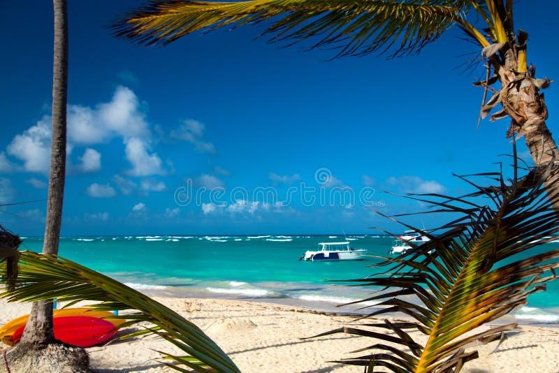 Dominicaanse Republiek, Punta-cana, Saona-Eiland - Mano Juan Beach Het dorp van vissers `s stock foto