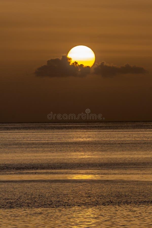 Dominicaanse zonsondergang in de zomer stock afbeelding