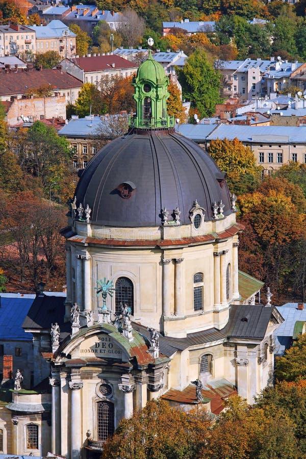 Dominikankyrka, Lviv, Ukraina arkivfoton