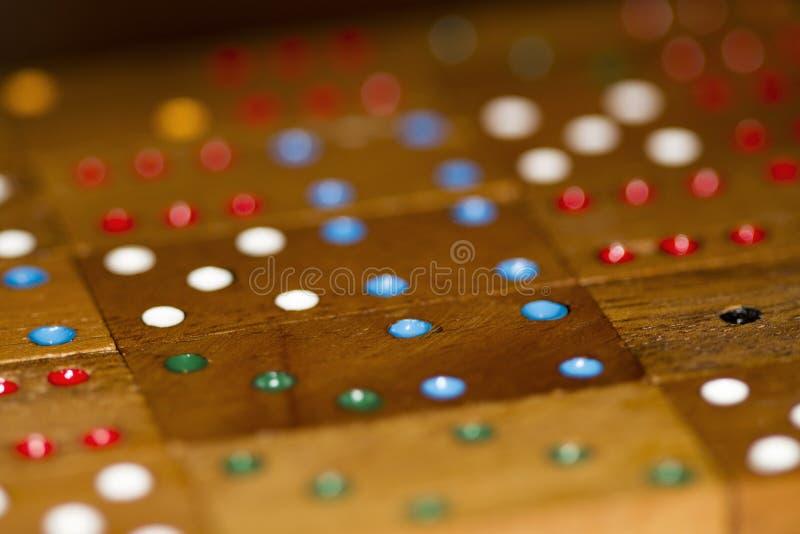 Dominos et nombres en bois image libre de droits