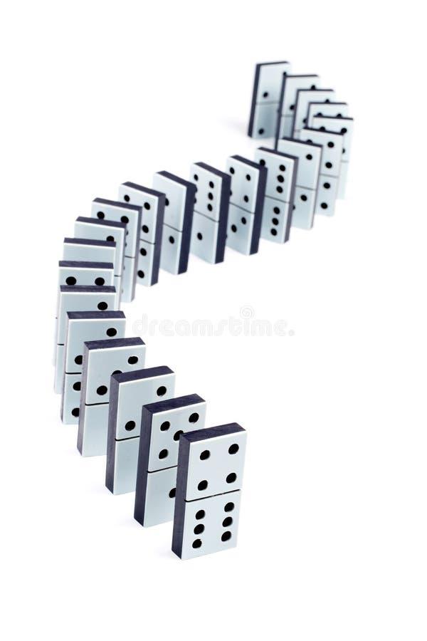 Dominostücke in einer Zeile lizenzfreies stockfoto
