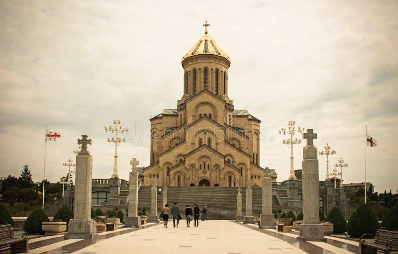 Domkyrka av den heliga Treenighet i Tbilisi georgia arkivfoton