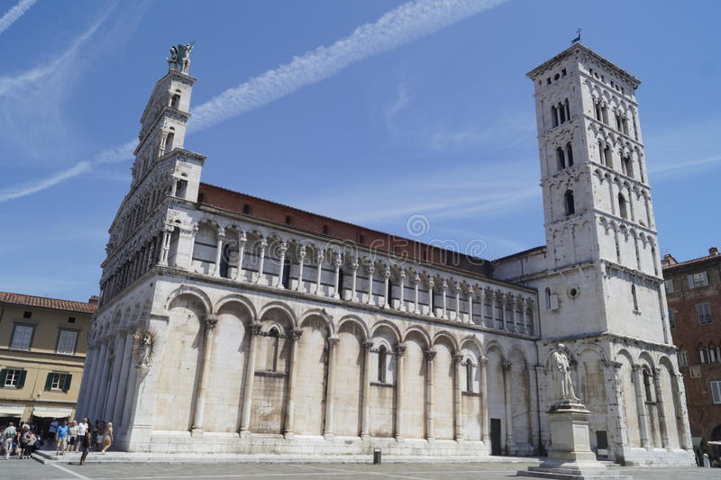 Domkyrka av Lucca, Tuscany royaltyfria foton
