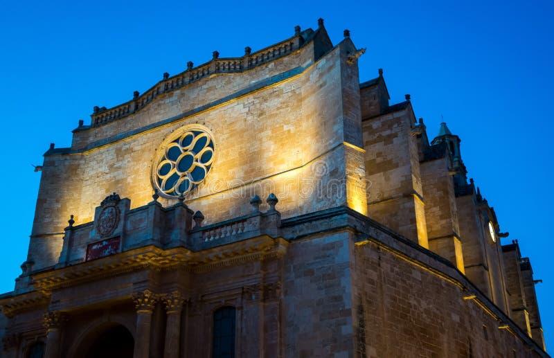Domkyrka av Menorca på natten royaltyfri foto