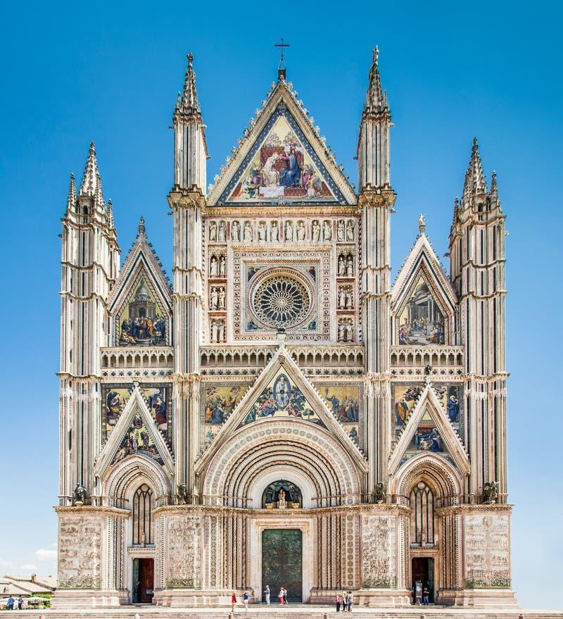 Domkyrka av Orvieto (Duomo di Orvieto), Umbria, Italien fotografering för bildbyråer