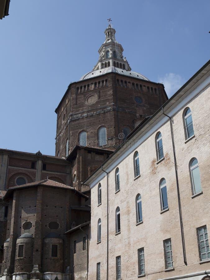 Domkyrka av Pavia, Italien royaltyfri fotografi